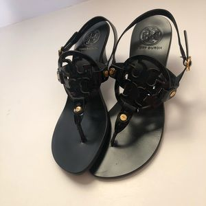 Rare Tory Burch patent leather kitten heals size 6